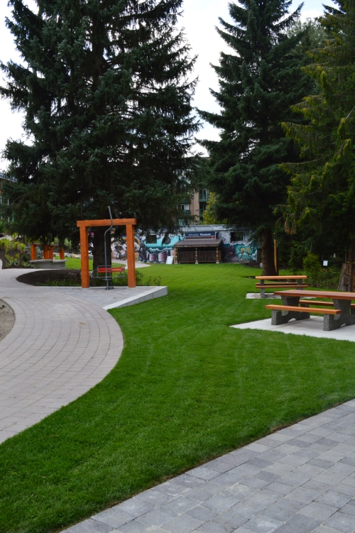 The landscaping work is still underway, but already the park is a very beautiful and welcoming space.