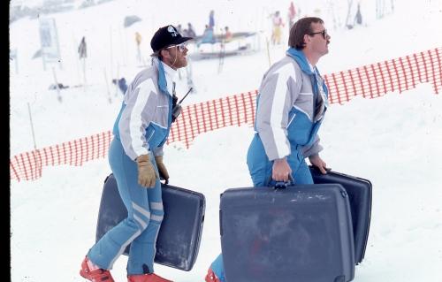 suitcase_race034