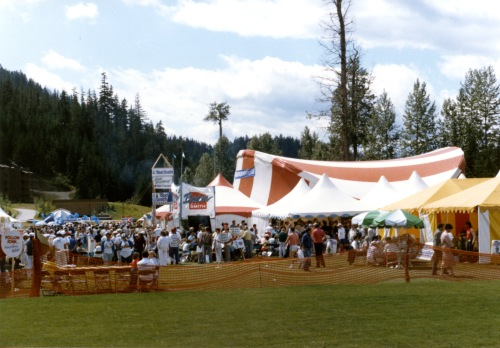 The Whistler Driving Range was transformed into a political fair grounds, where leadership hopefuls could promote their political brand. Photo from the Arv Pellegrin collection/WMAS.